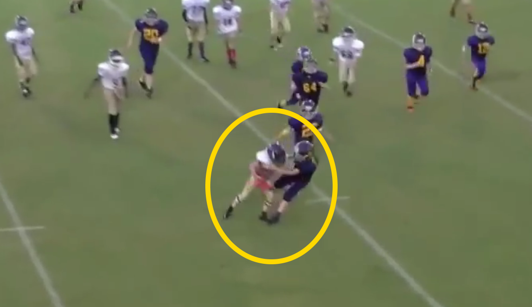 LITTLEST KID ON THE FIELD TRUCKS LINEMAN – YOU CAN'T MAKE THIS STUFF UP